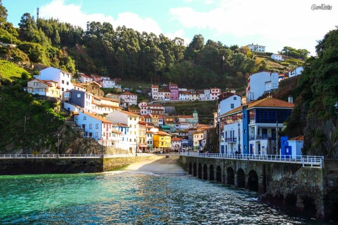 galeria-de-fotos-cudillero-asturias-pueblo-pesquero-asturiano